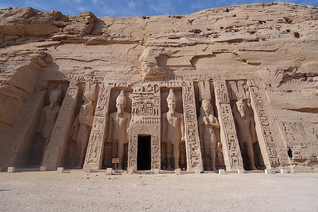 Riesenstatuen von Ramses II.