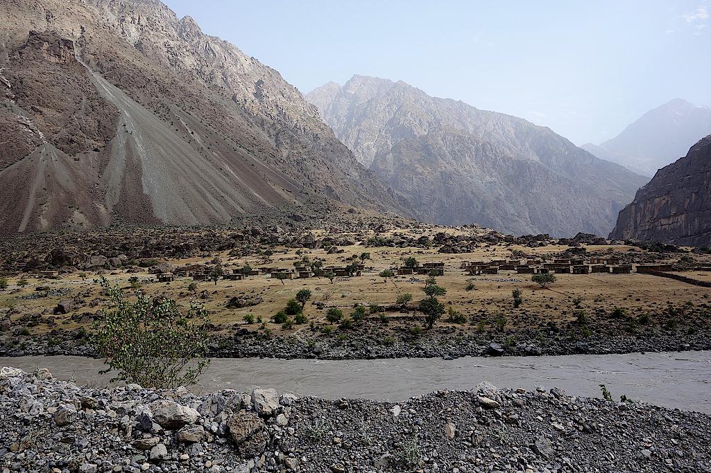 Verlassenes afghanisches Dorf