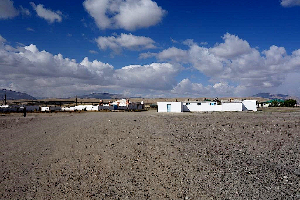 Pamir-Highway-Alichur