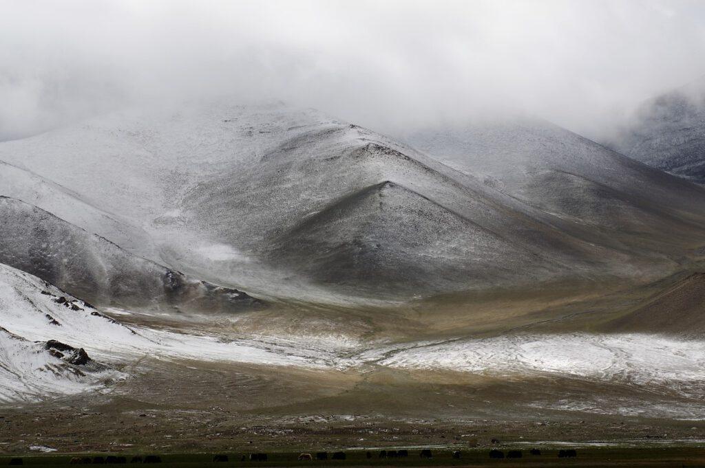 Pamir-Gebirge-in Xinjiang-Am-Karakul-See
