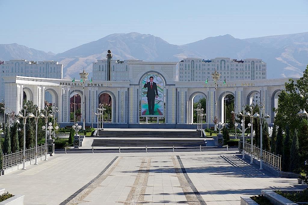 Personenkult in Aschgabat