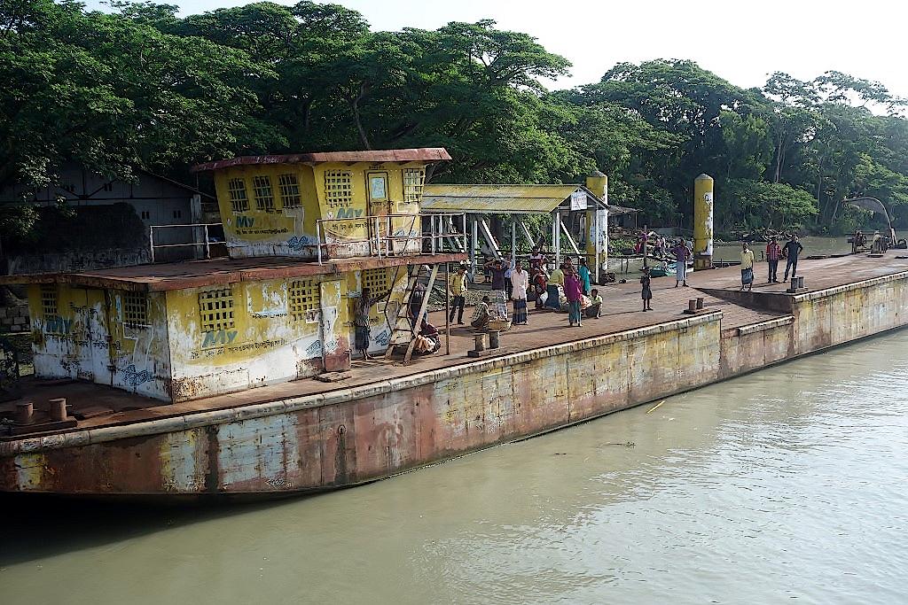 Bangladeschreise-Leben-auf-dem-Fluss