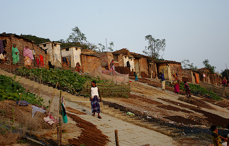 Bangladesch-Fischerdorf-am-Padma