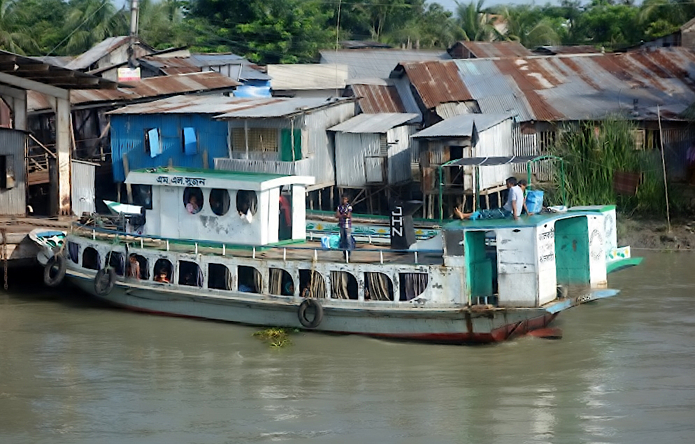 Bangladeschreise-Leben-am-Fluss