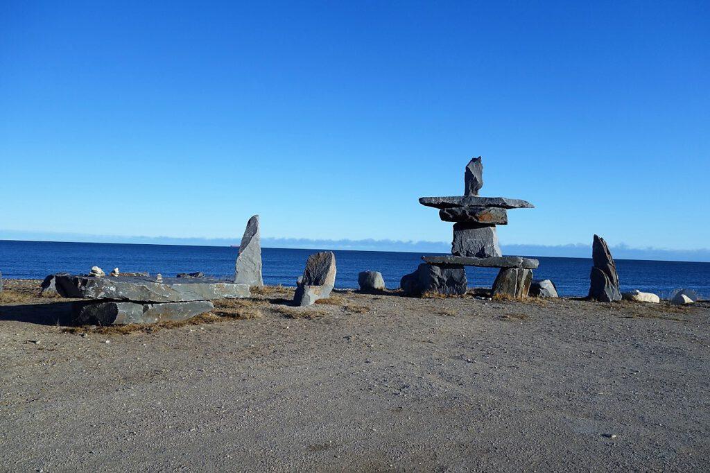 Inuksuk-Skulptur
