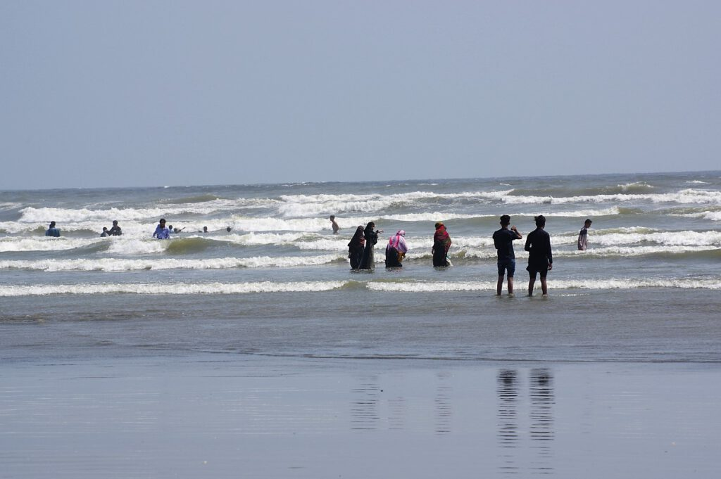 Clifton-Beach-Karachi-Pakistan