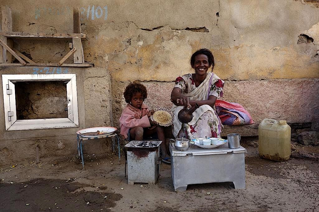 Eritrea-Massaua-Altstadt-Kaffeezeremonie