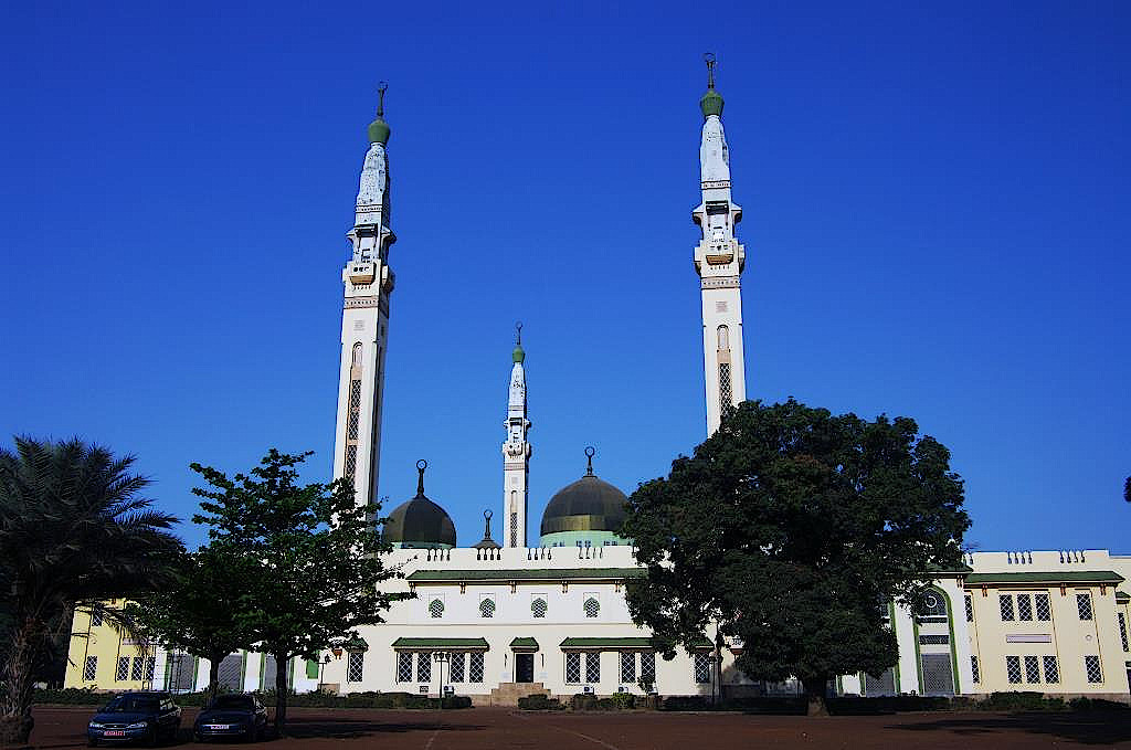 Faysal-Moschee-in-Conakry-Guinea