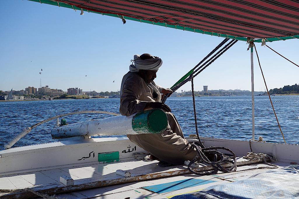 Der Skipper am Ruder