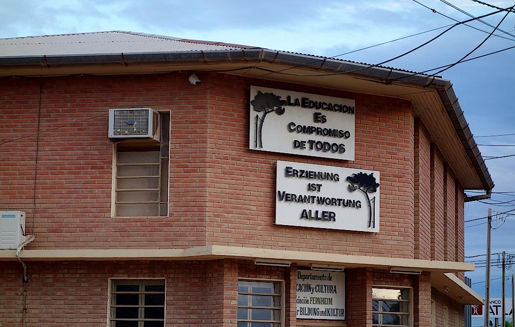 Gemeindehaus-in-Filadelfia-Asuncion-Paraguay