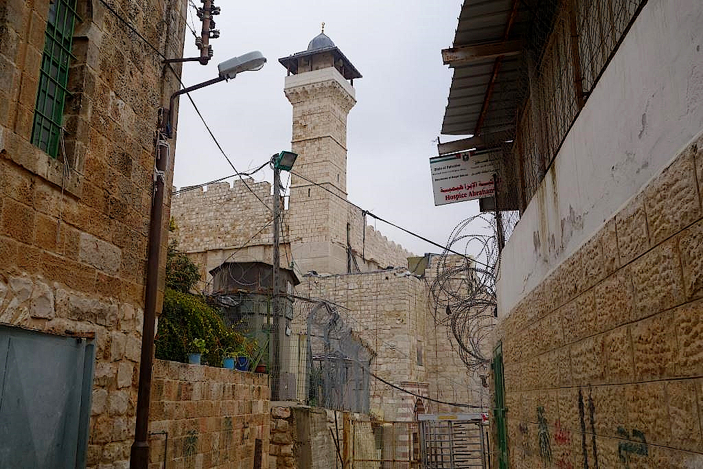 Militär wacht an der Abraham-Moschee in Hebron