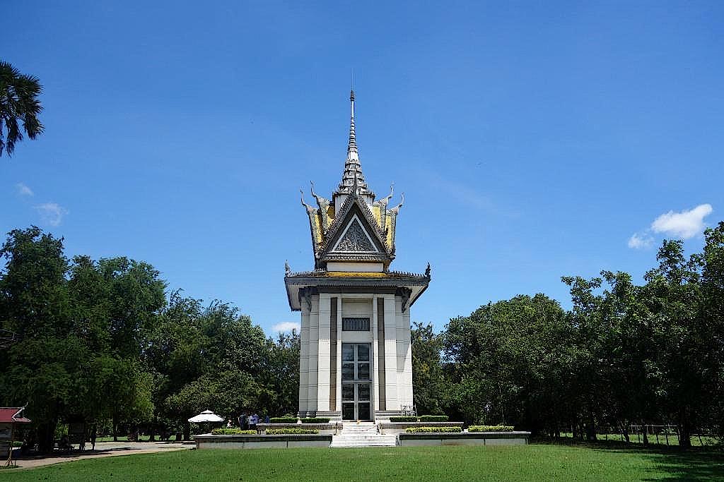 Gedenkstupa auf den Killing Fields von Choeung Ek