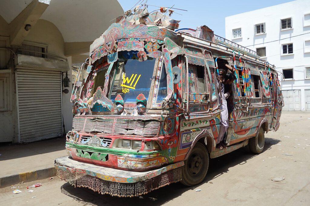 Karachi-Bus-Pakistan