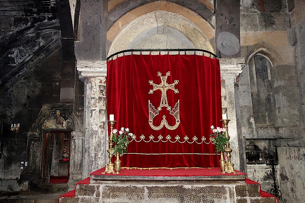 Altar im Kloster Saghmosavank in Armenien