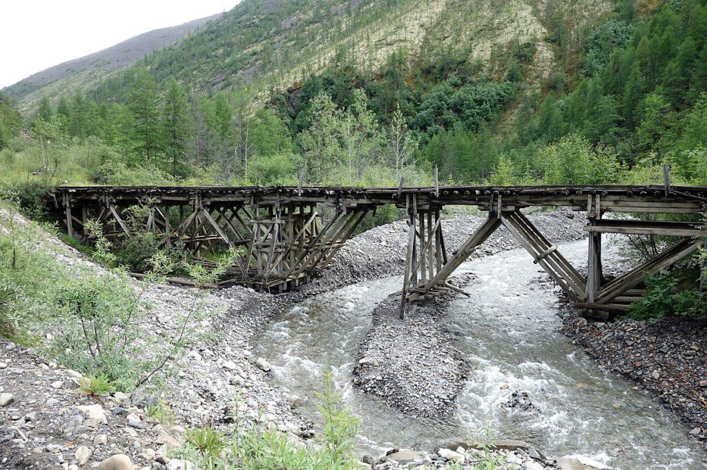 Von Häftlingen erbaute Brücke