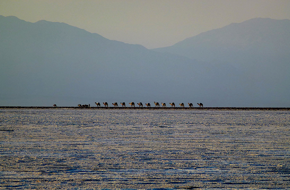 Sonnenuntergang am Lake Assal