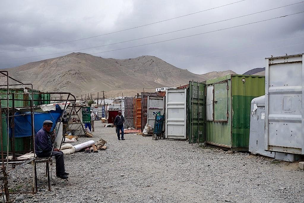 Pamir-Highway-Murgab-Basar