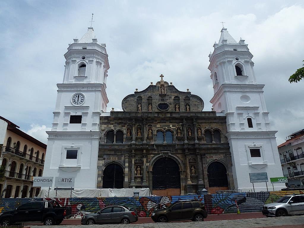 Kathedrale-in-Panama-Altstadt