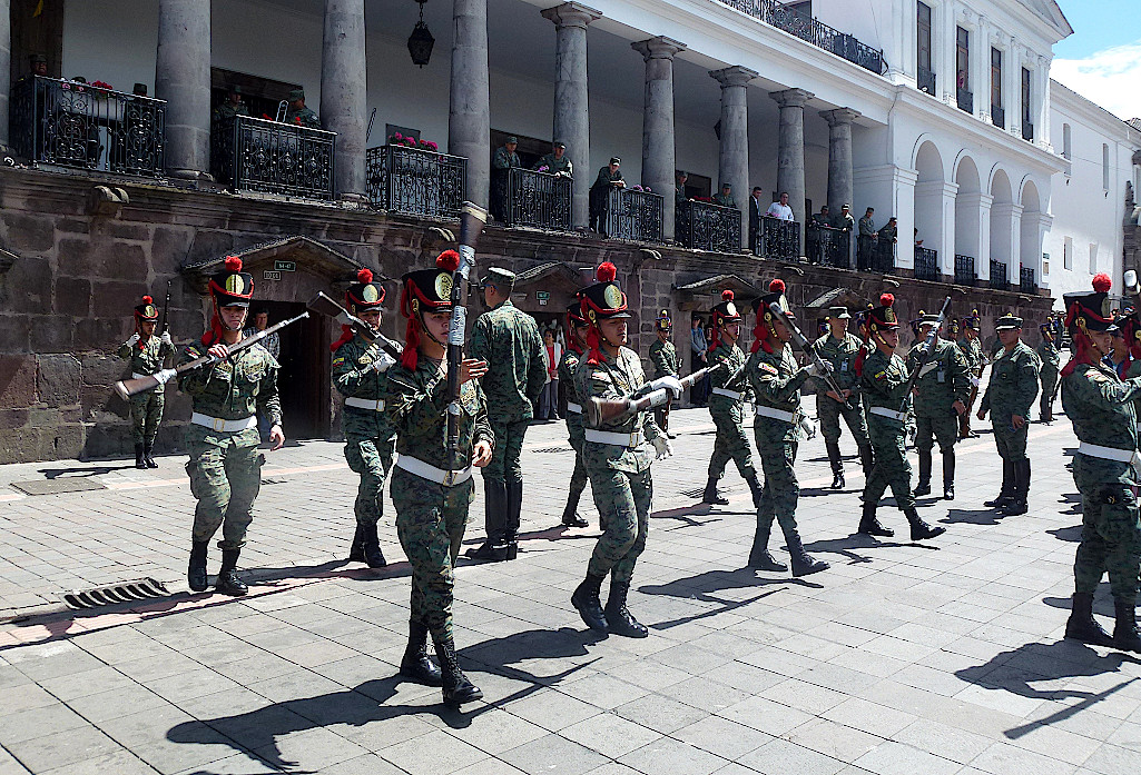 Parade vor dem Präsidentenpalast