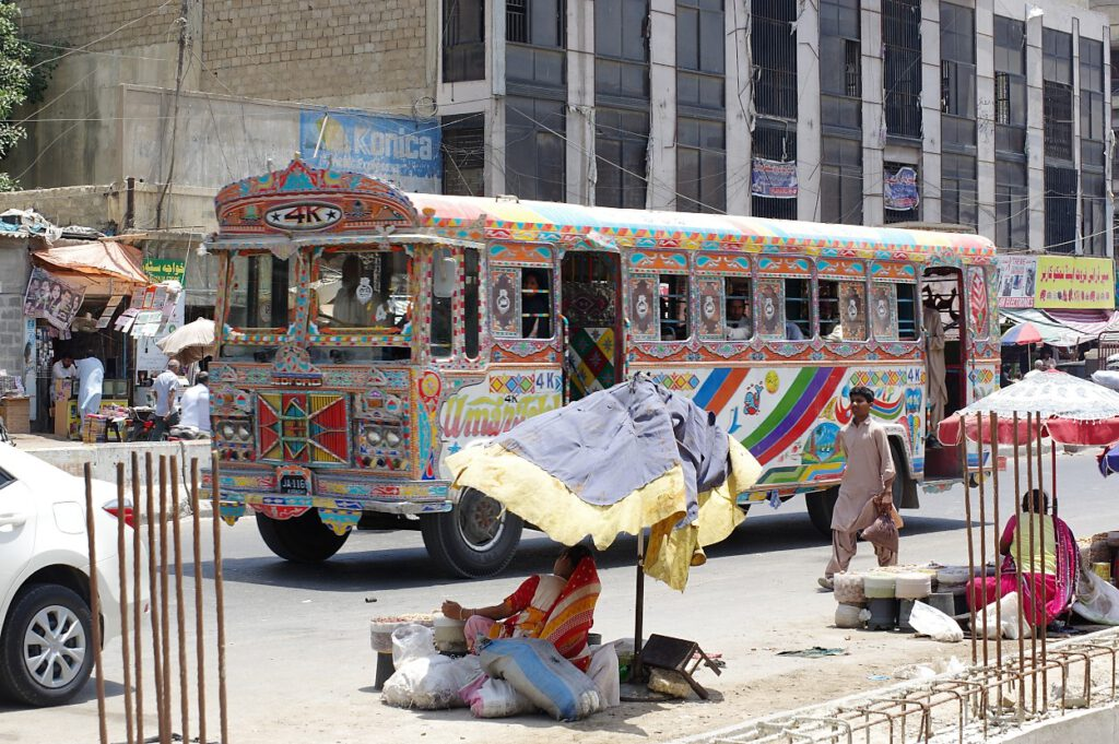 Karachi-Bus