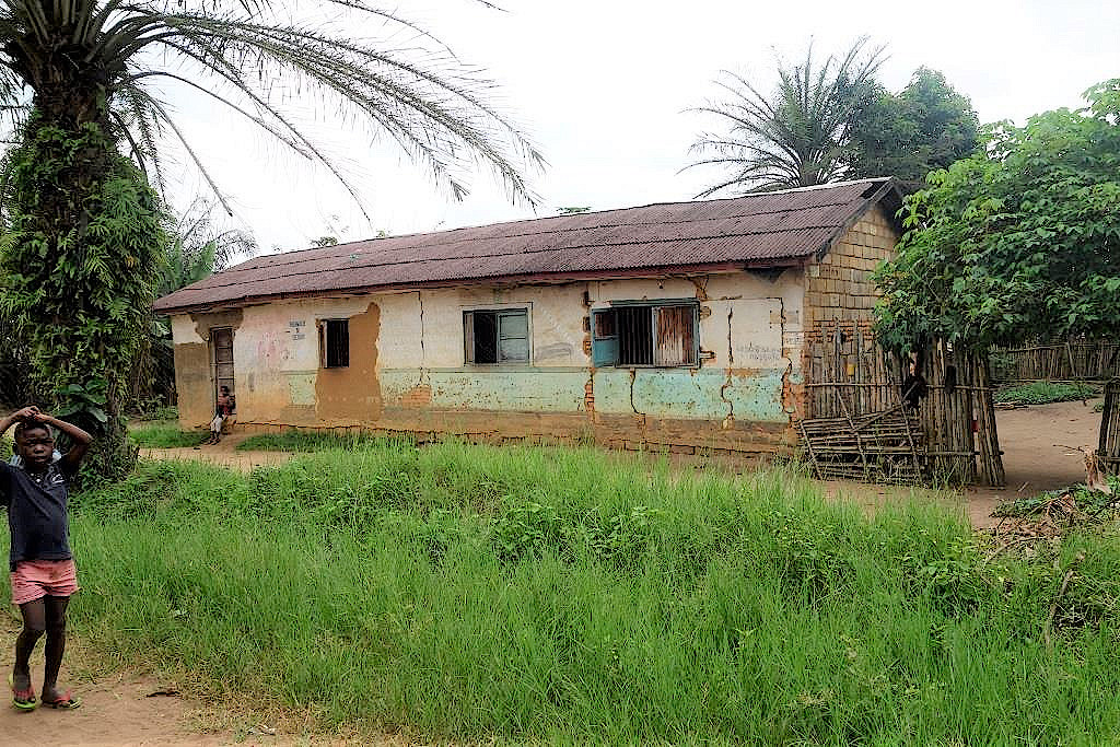 Zehn-Familien-Haus-DR-Kongo