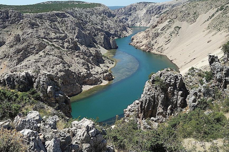Blick-vom-Pueblo-Plateau-auf-den-Fluss-Zrmanja