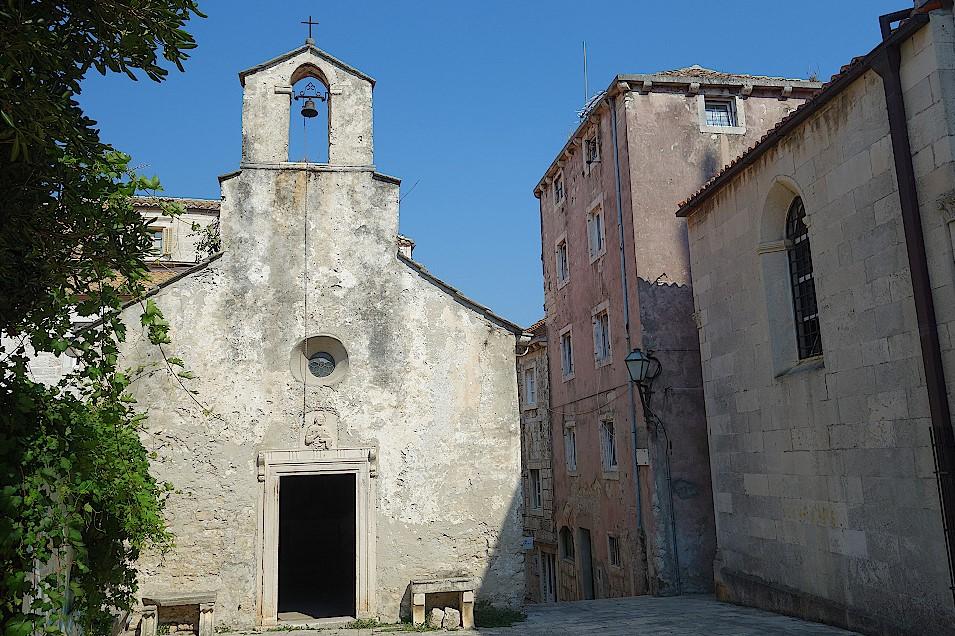 Kirche-in-der-Altstadt-von-Korcula