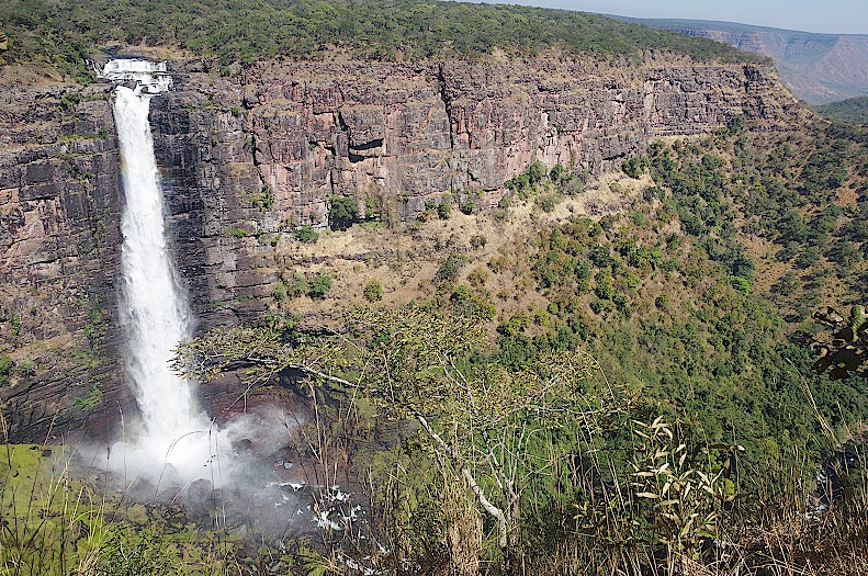 Lofoi-Wasserfall-Kundelungu-Nationalpark-Katanga