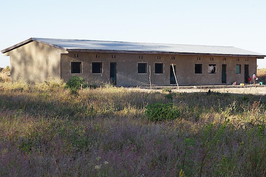 Schule ohne Fenster und Türen