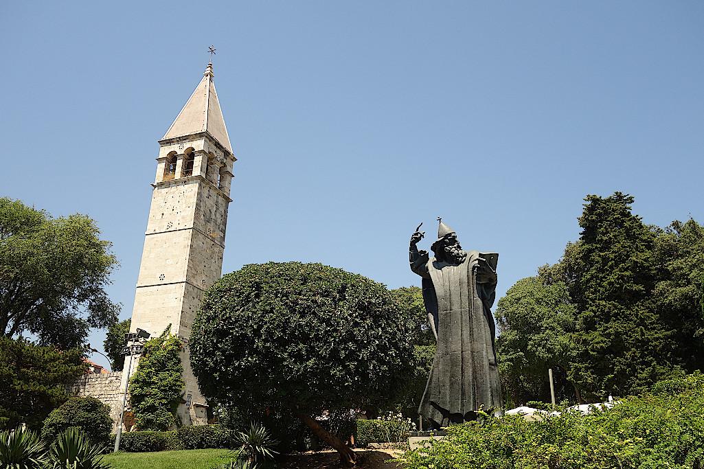 Statue-des-Gregor-von-Nin-in-Split-Kroatien
